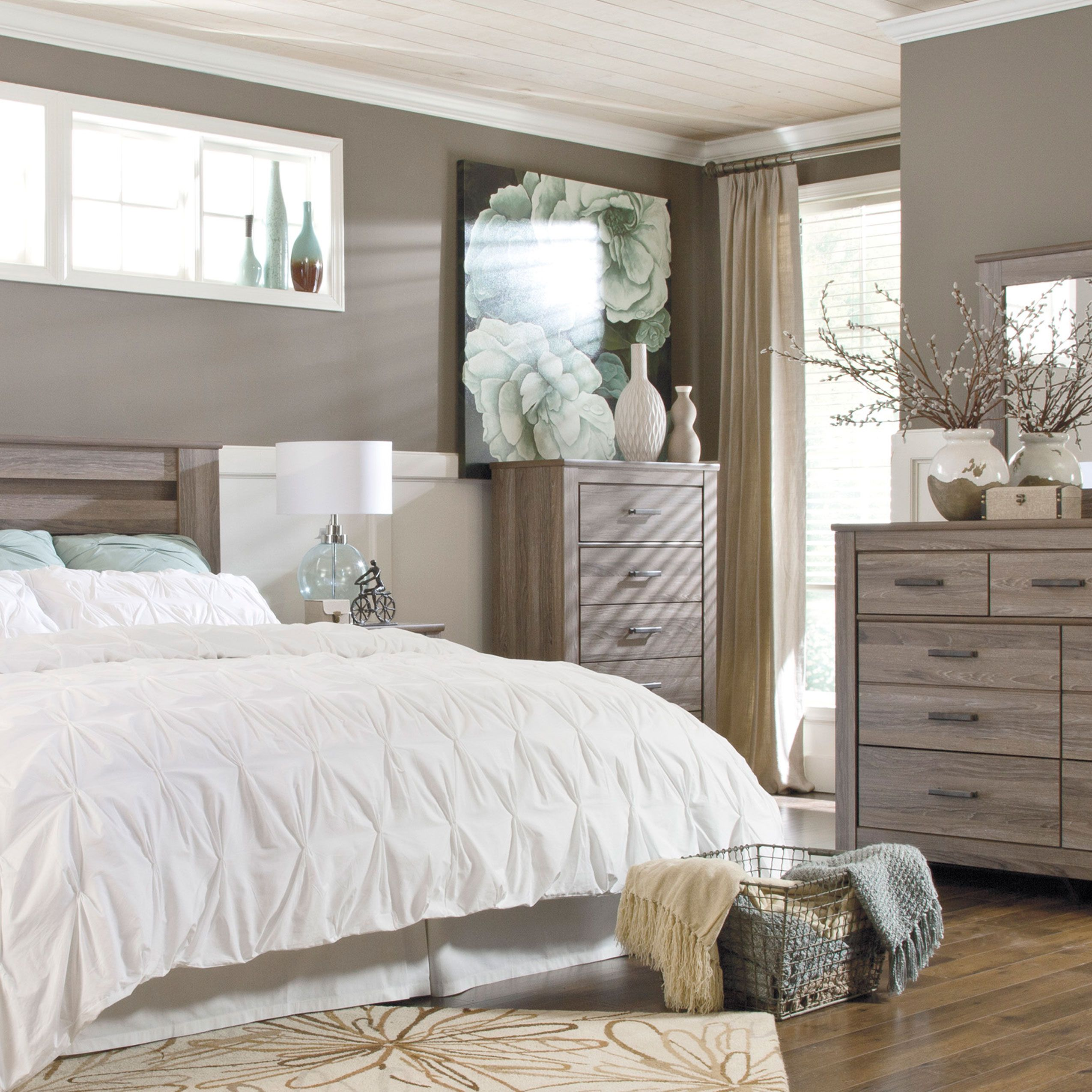 Zelen Queen Bedroom Group by Signature Design by Ashley