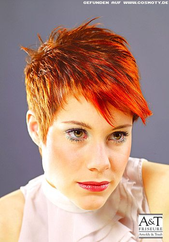 Frisuren Bilder Roter Pixie Mit Definierten Strahnen Frisuren Haare Kurzhaarfrisuren Freche Kurzhaarfrisuren Haare