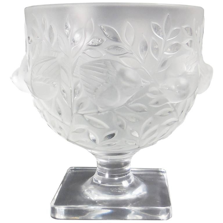 Lalique Elisabeth Satin And Clear Crystal Vase Portraying Birds In