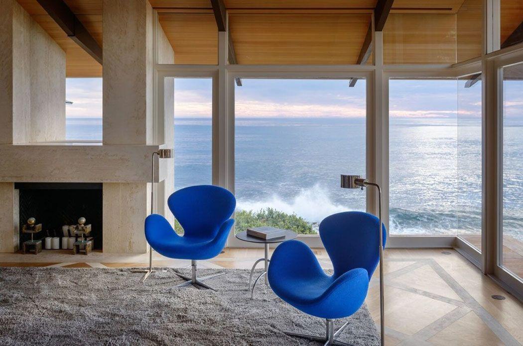 Maison contemporaine en floride au design luxueux et élégant salons