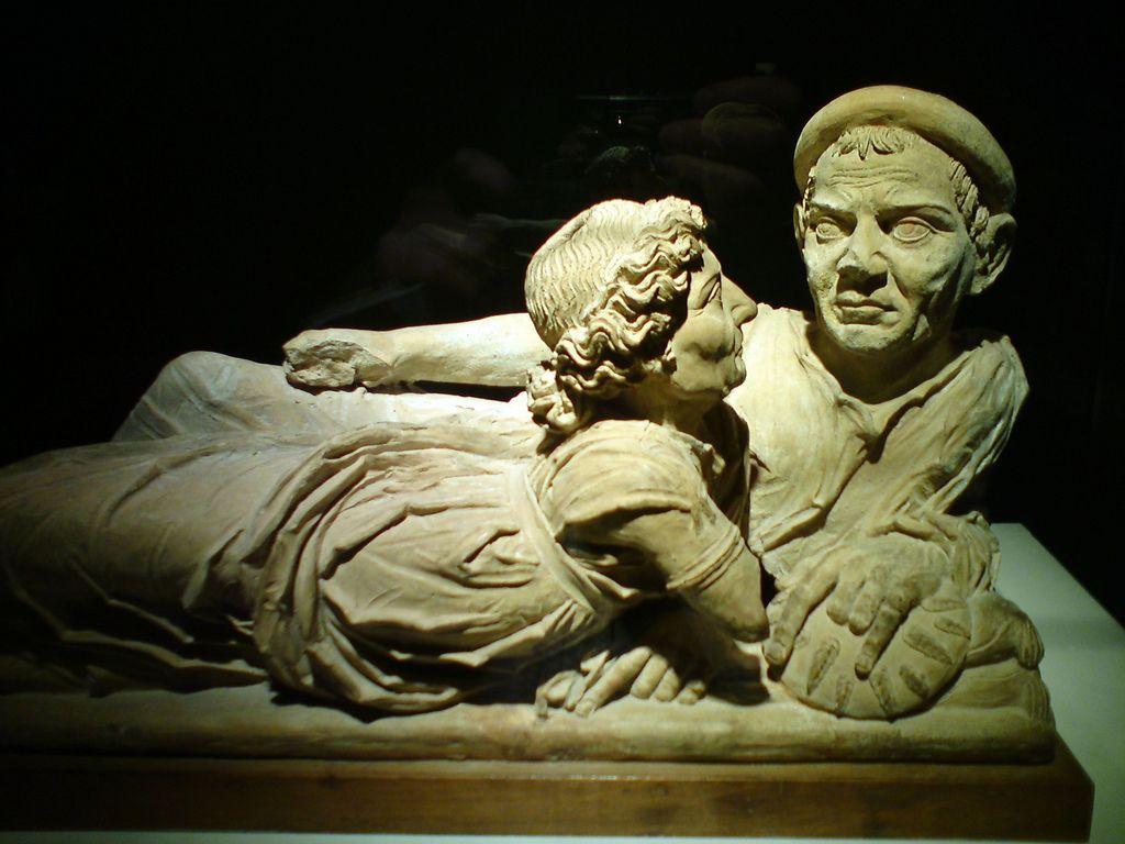 Afbeeldingsresultaat voor etruscan sarcophagi
