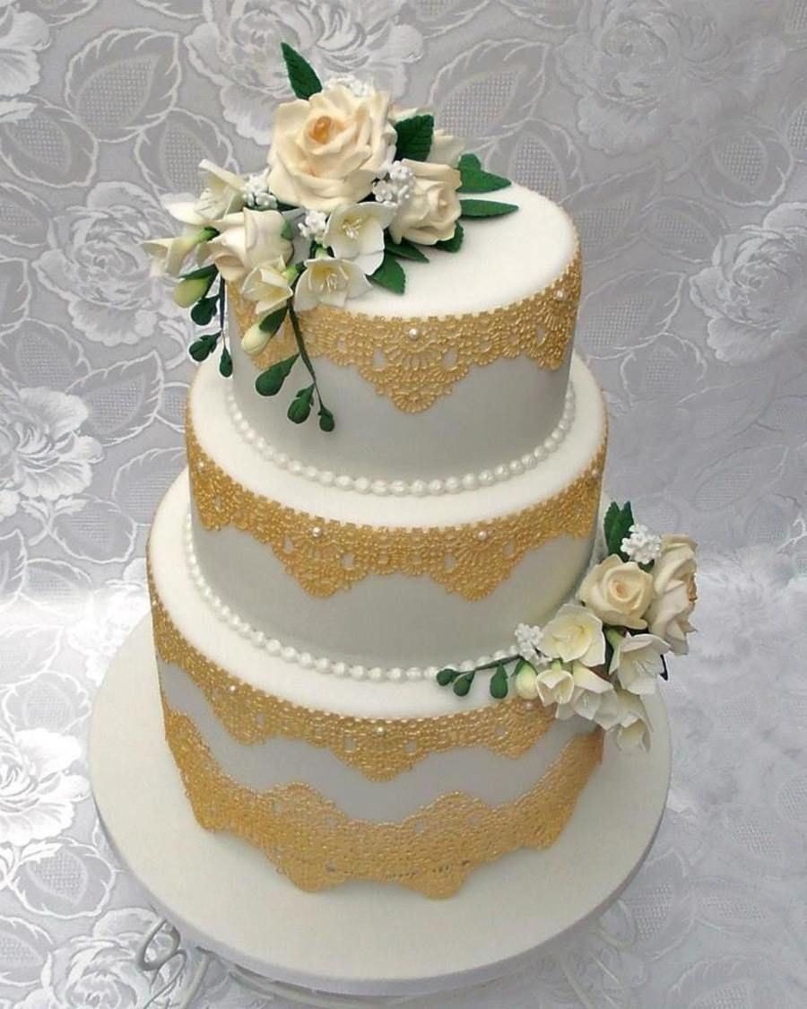 Wedding Cake Flowers Edible: 3 Tier Wedding Cake With Gold Edible Lace And Hand Made