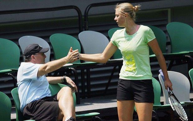 ... treinada pelo pai, Yuri Sharapov, no US Open (Foto: Getty Images