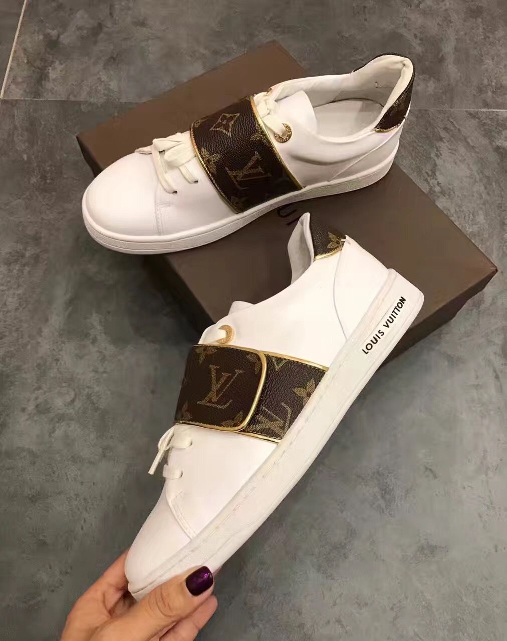 be02d7edc761 Louis Vuitton woman sneakers
