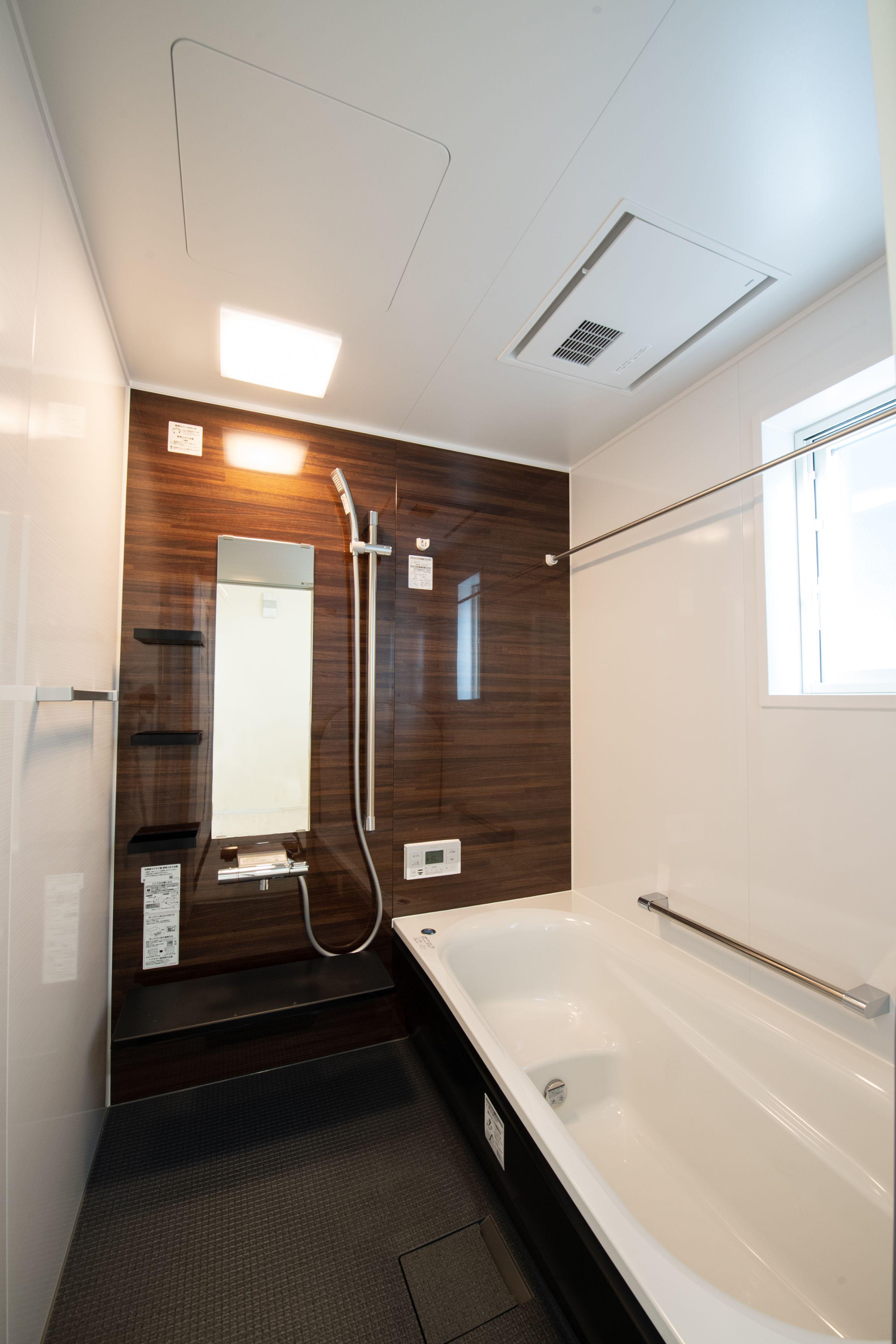 お風呂 おしゃれまとめの人気アイデア Pinterest 平安コーポレーション 本社 2020 ユニットバス 浴室 デザイン 浴室 Toto