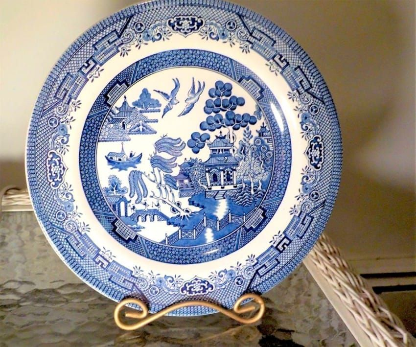 11 Facts You Never Knew About Classic Blue Willow China Blue Willow China Antique Blue Willow Blue Willow