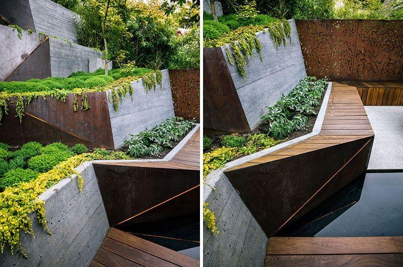 L'arrière-cour de cette maison de la Californie a été transformée en jardin de cascade - Berkeley, CA, USA