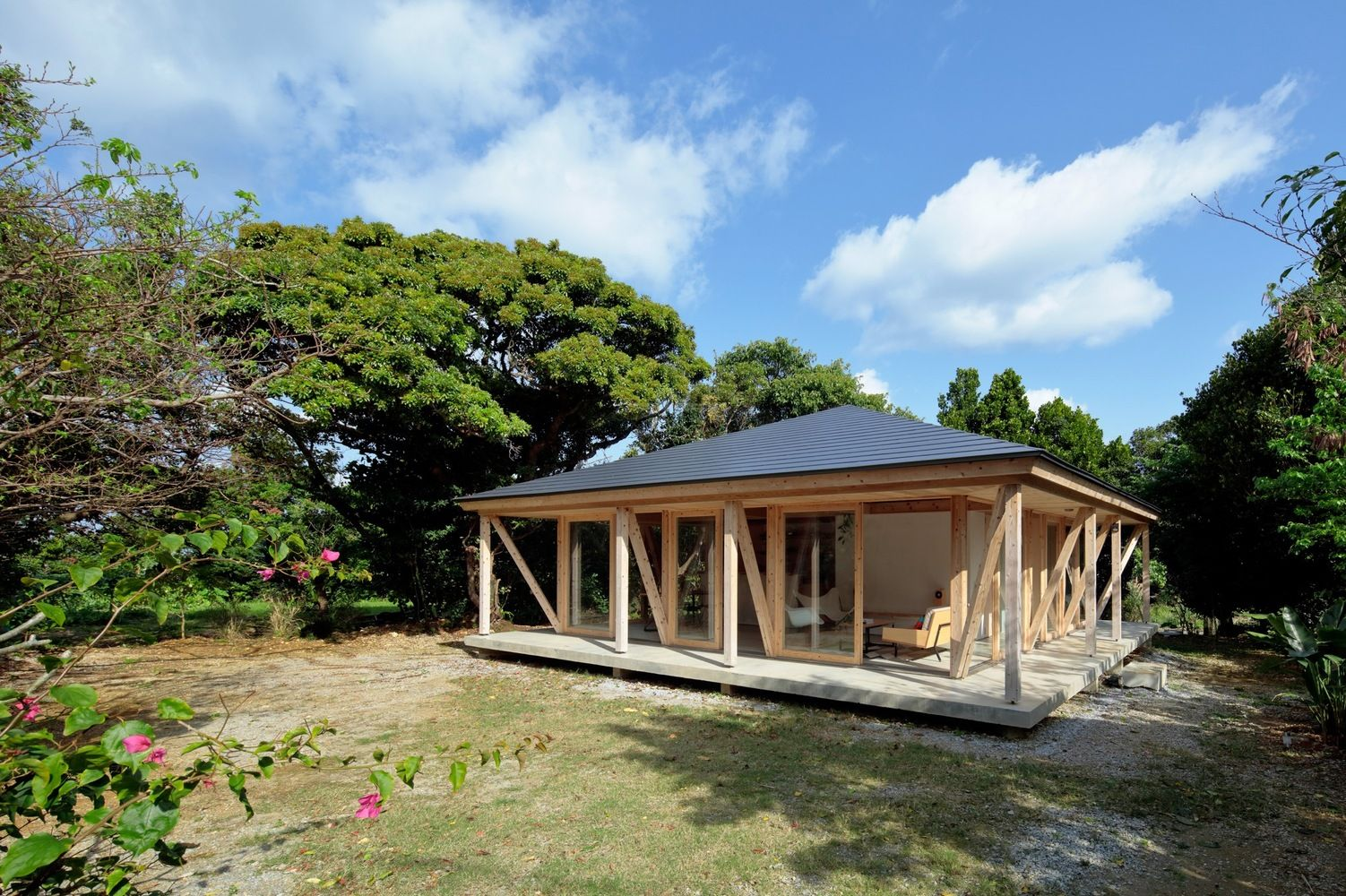 This small house from Japan has been built in the style of the ...