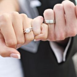5 fun photo ideas to show off your wedding rings Wedding