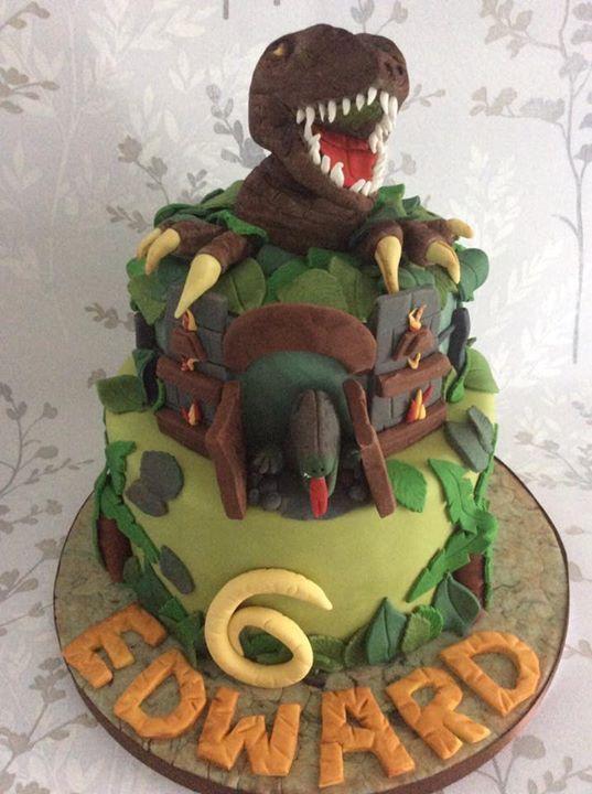 Tremendous My First Attempt At A Scary Dinosaur Cake Dinosaur Birthday Funny Birthday Cards Online Alyptdamsfinfo