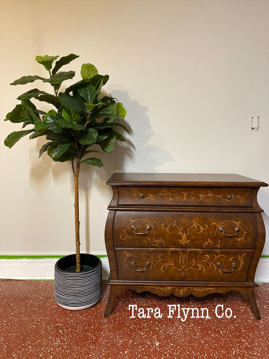 Fig Leaf Trees Add Height to the Overall Look.  #furniturepainter #furnitureartist #paintedfurniture #restyled #taraflynnco #taraflynn #handpainted #oneofakind #homedecor