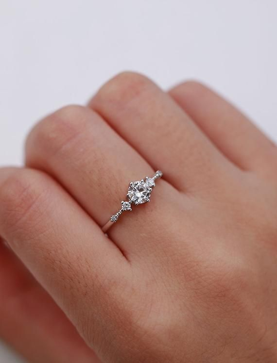 Silver Unique Wedding Band Ring Women Friendship Ring Anniversary Gift For Her Promise Ring Minimal Ring Unique Gift