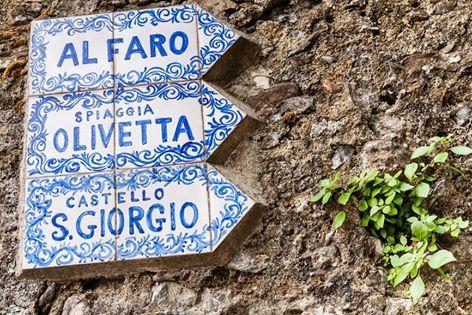 Even the signs are beautiful in Portofino!!