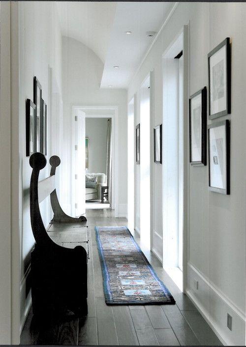 Ideas para decorar un pasillo estrecho fotos idealista - Decorar pasillo estrecho y corto ...