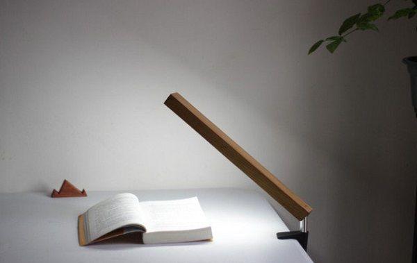 21 de obiecte inedite care pot fi transformate in lampi Sa realizezi obiecte inedite de iluminat este cel mai usor proiect DIY pe care il poti realiza. Inspira-te si fa-ti curaj sa mesteresti urmatorul proiect. http://ideipentrucasa.ro/21-de-obiecte-inedite-care-pot-fi-transformate-in-lampi/