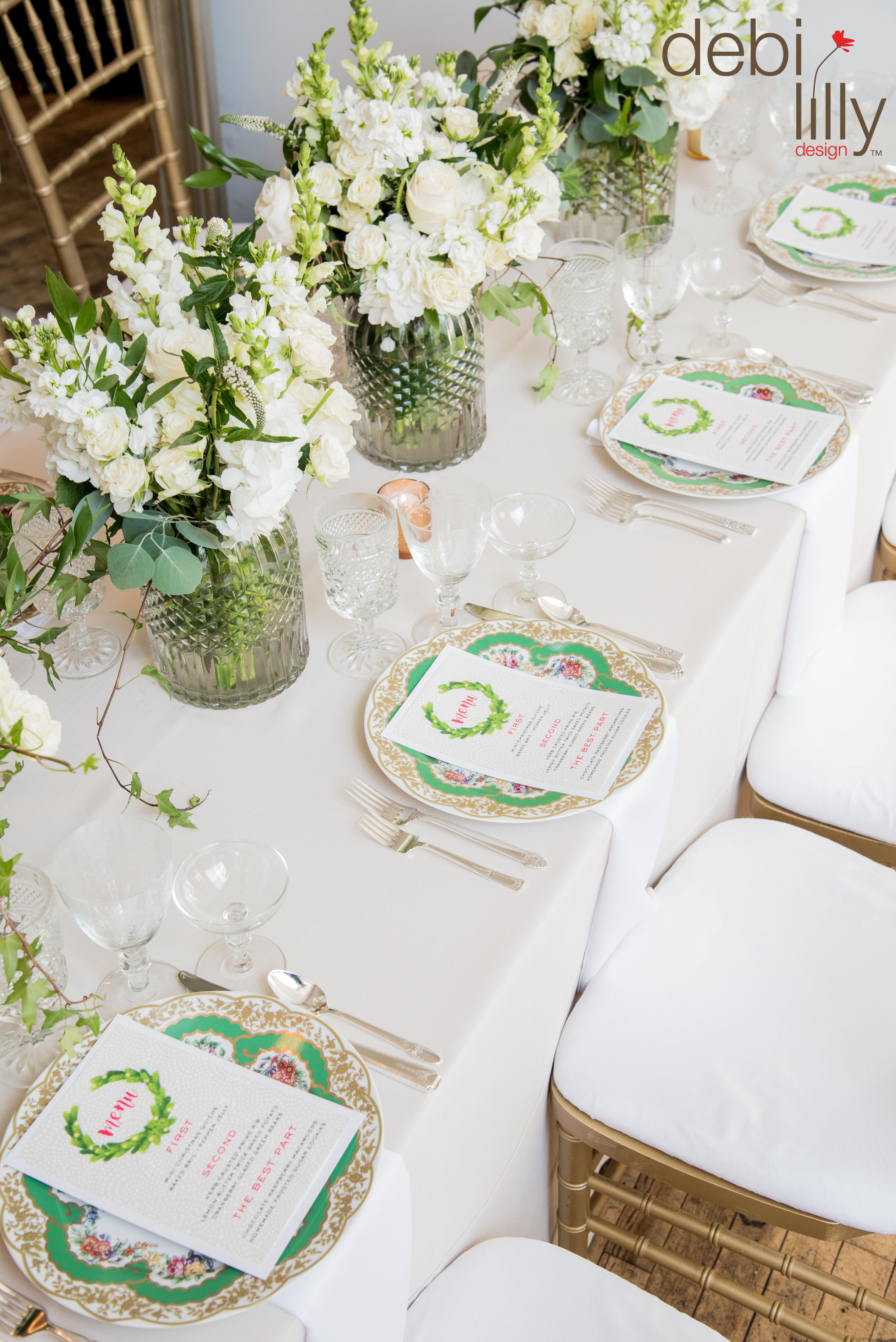 How pretty is this holiday table by debi lilly design™? It is so ...