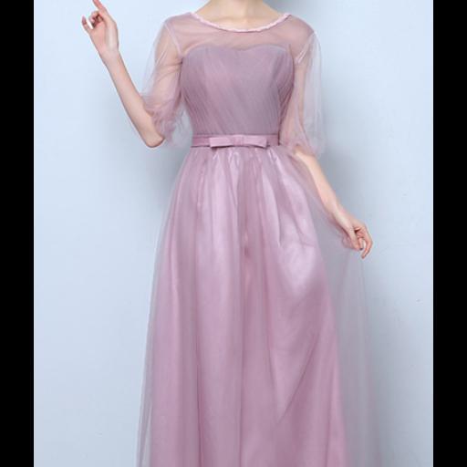 فستان من قماش التل بأكمام تصل إلى المرفق من الأمام عبارة عن كسرات طولية ومن الخلف خيوط ربط يوجد عند الخصر فيونكة Tulle Dress Long Dresses Tulle Dress