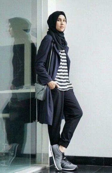 29411d5f6bcf1668f0c70ea8859f2c98 model baju muslim casual bergaya sporty busana muslim,Model Busana Muslim Casual