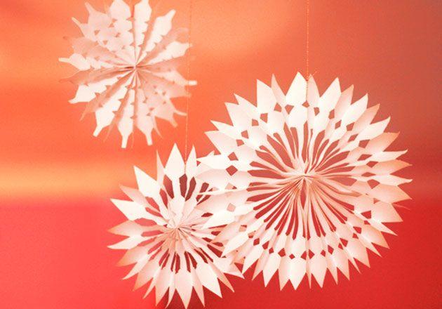 flocons de neige en papier diy origami et pliage de. Black Bedroom Furniture Sets. Home Design Ideas