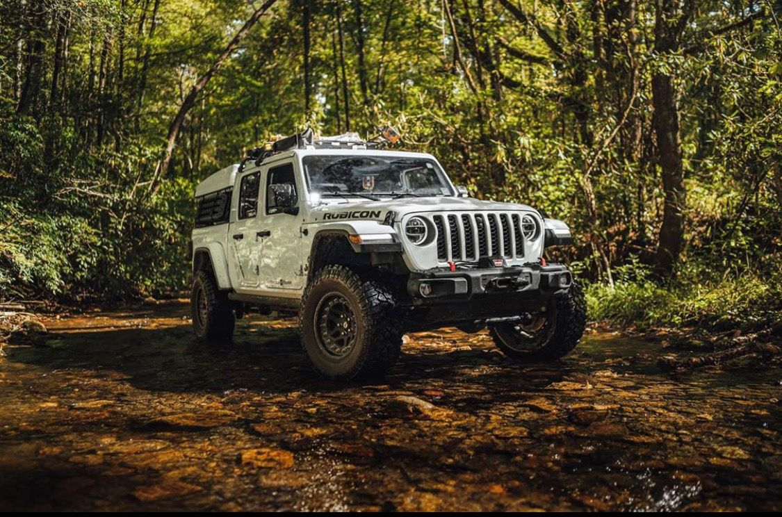 Escape The Grind Kjmgarage 2020 Jeep Gladiator Rubicon Offroad Adventure Jeep Gladiator Jeep Jeep Life