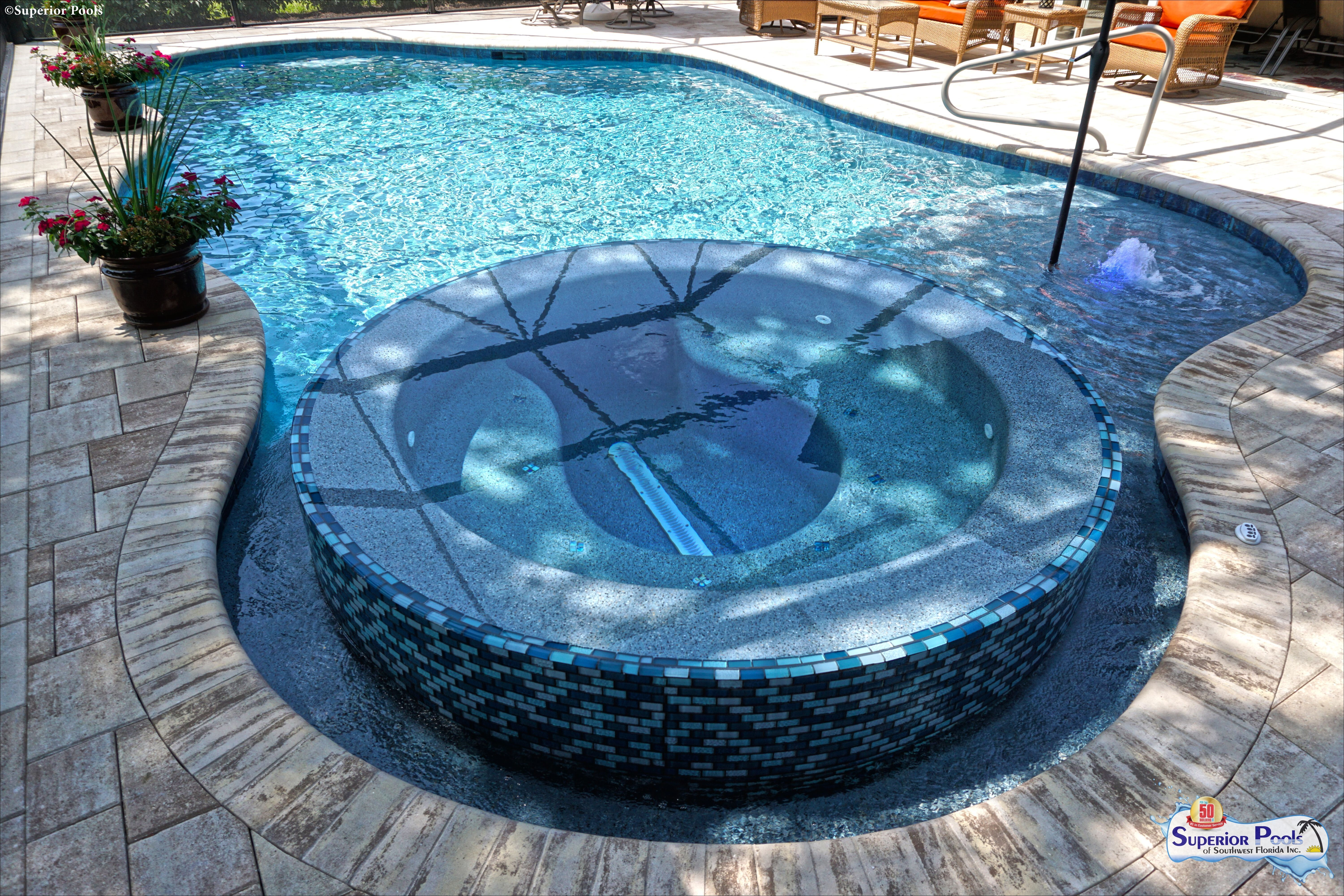 A Spa That Doubles As A Design Feature Now That S What We Re Talking About Pooldesign Luxury Custom Swimming Pool Swimming Pool Designs Pool Designs