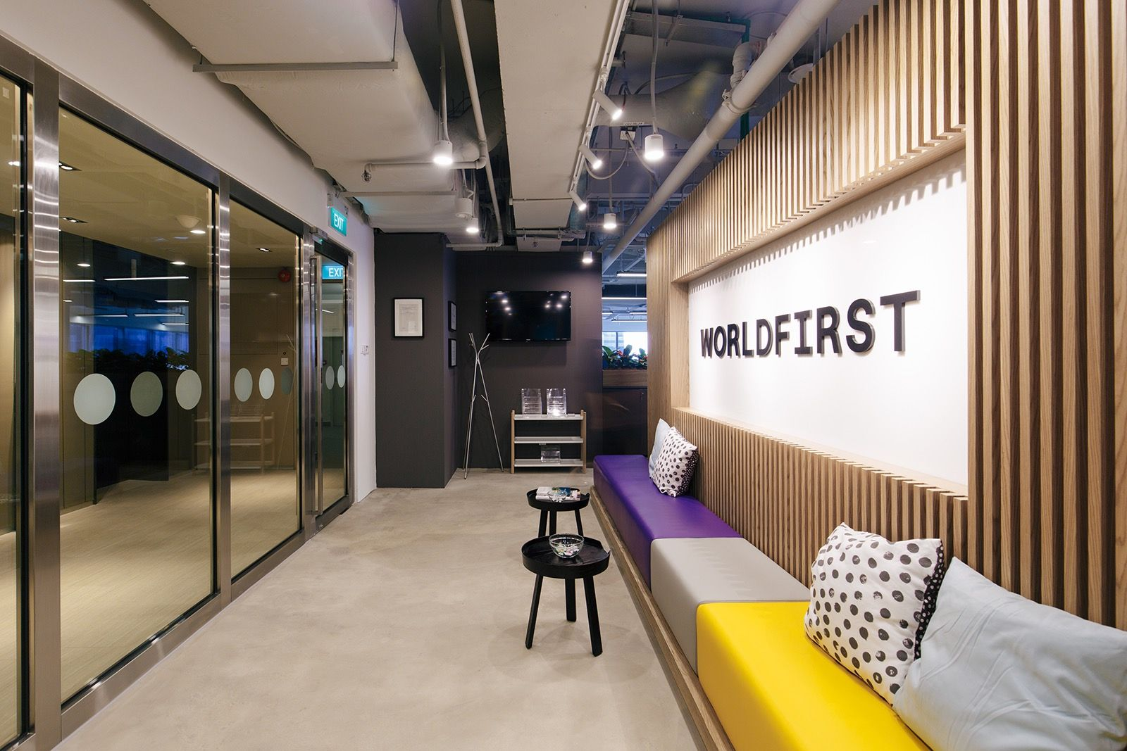 A Peek Inside Worldfirst S New Singapore Office Interior Design Singapore Interior Design Institute Wooden Doors Interior
