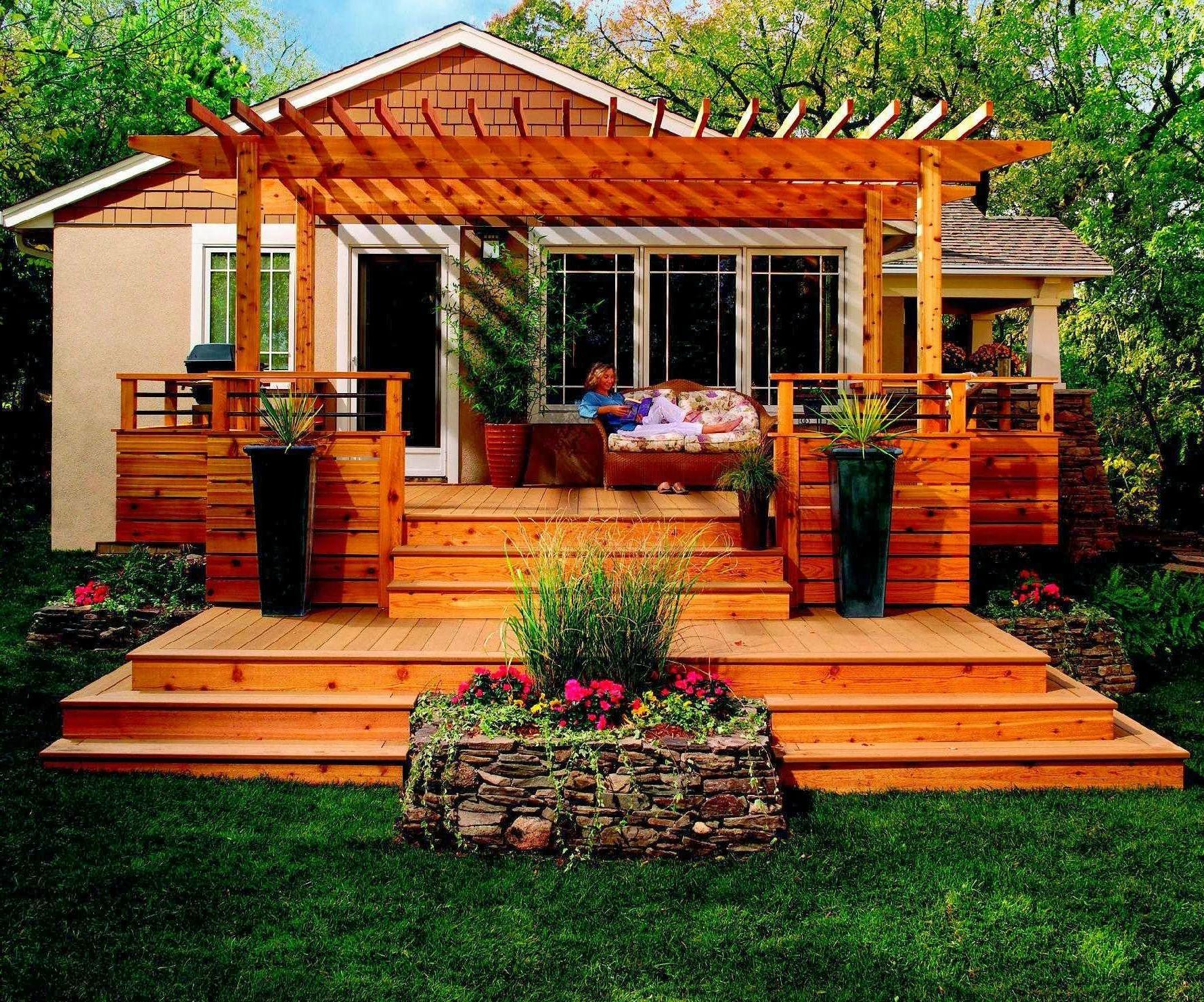 Pretty Backyard with Awesome Small Deck Idea