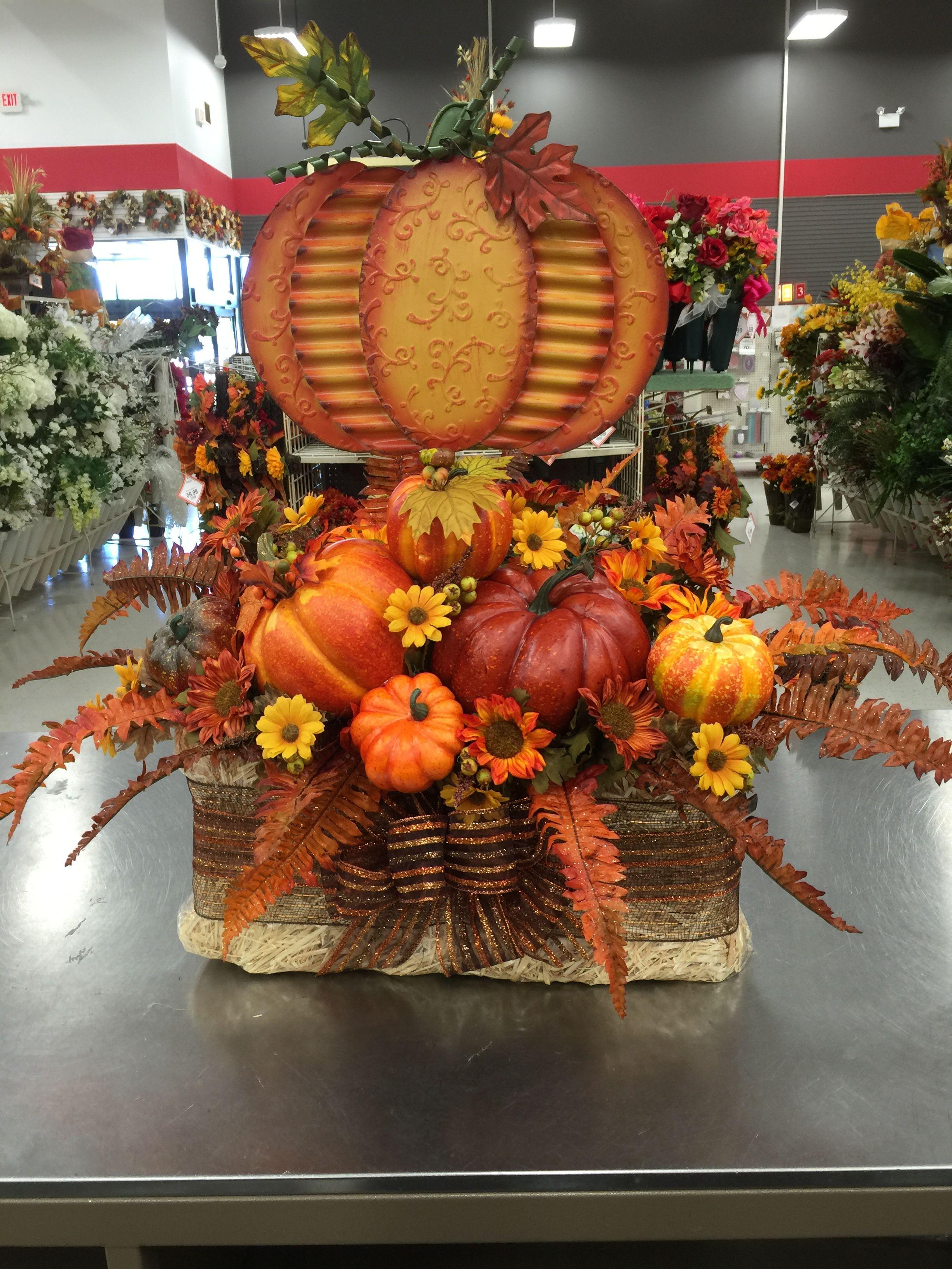 Thanksgiving Centerpiece to Last the Season Thanksgiving