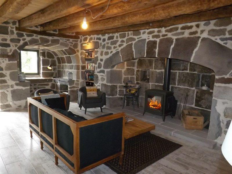 Gite La Maison De Lea 7 A Anglards De Salers Gite 4 Personnes Cantal Gite De France Gite Maison