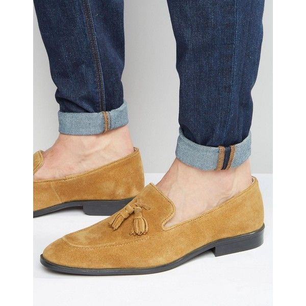 ASOS Loafers in Tan Suede With Tassel ($65) ❤ liked on Polyvore featuring men's fashion, men's shoes, men's loafers, tan, mens loafer shoes, mens suede slip on shoes, mens slipon shoes, asos mens shoes and mens tan shoes