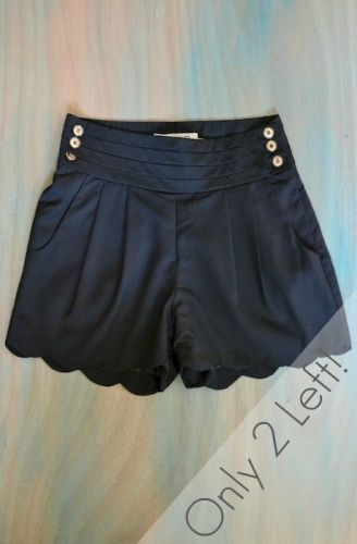 Love these page boy shorts! Perfect for an Elizabethian theme. - Luckypinup.com