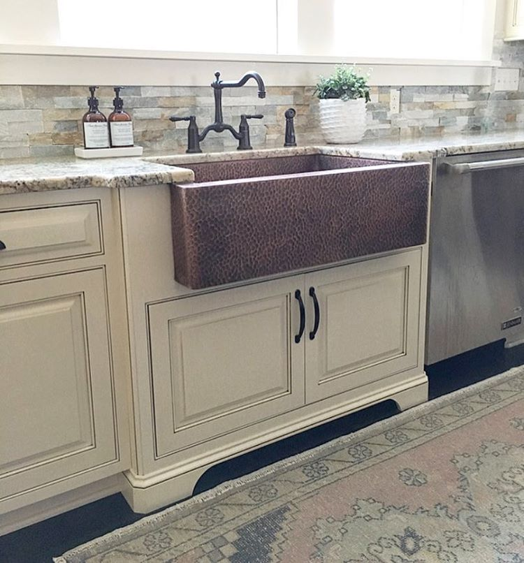Modern Farmhouse Kitchen With Copper Farmhouse Sink And Vintage Oushak Rug Farmhouse Redefined Farmhouseredefine Kitchen Remodel Kitchen Rug Home Kitchens