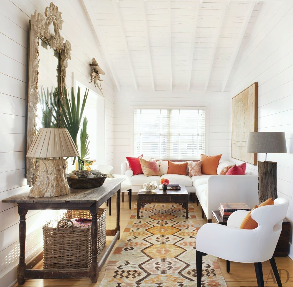 Hamptons home hampton beach global style and house for Hamptons beach house interiors