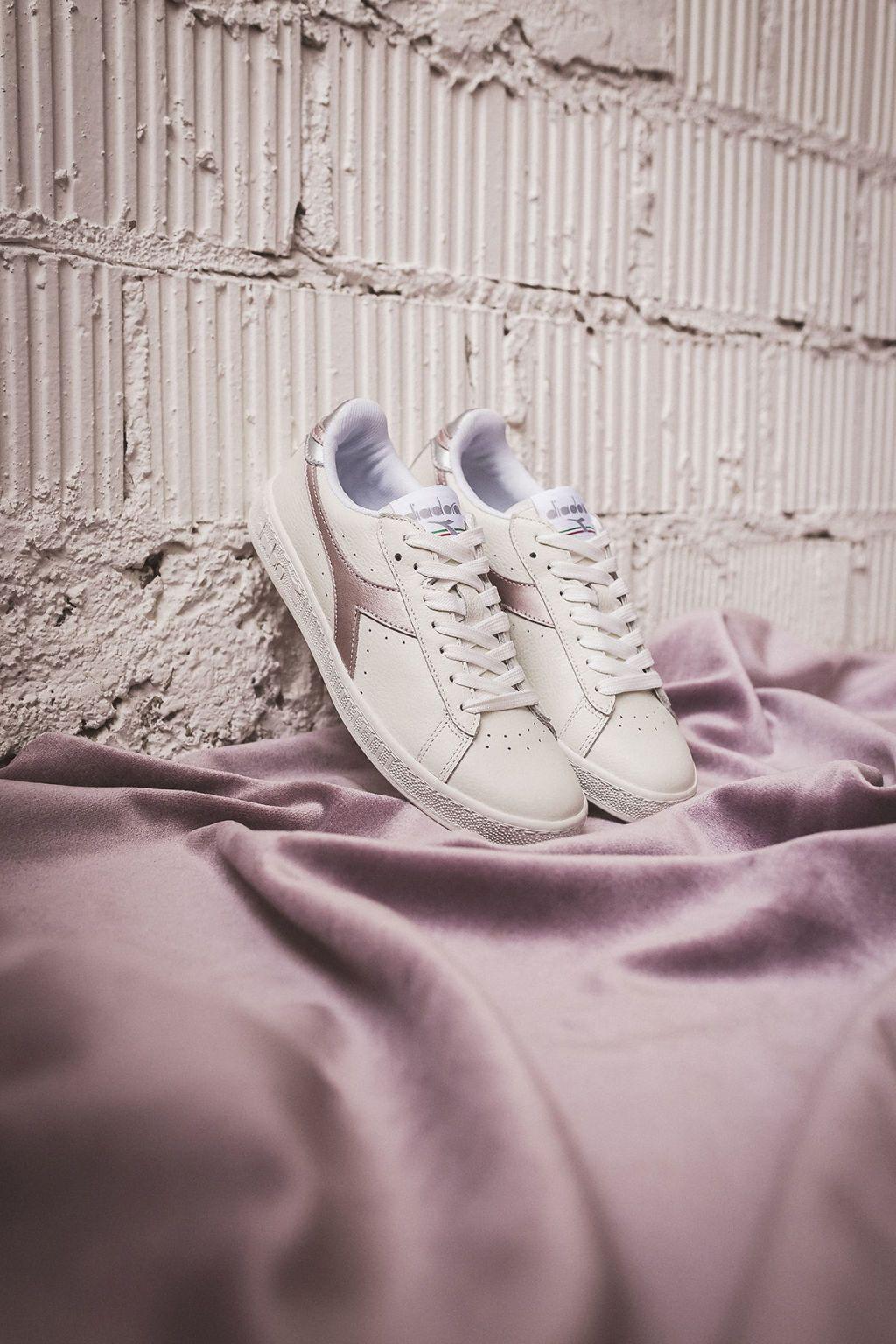 004 Queste sono le sneakers bianche (super chic) per l'estate