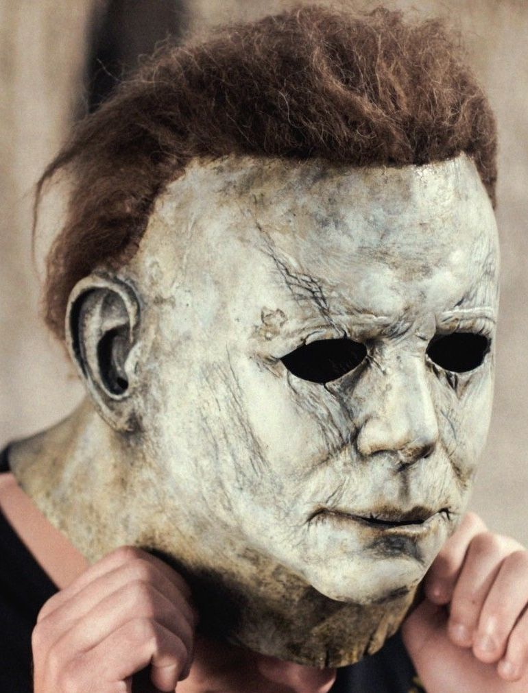 Pin by 𝔟𝔩𝔞𝔡𝔢 on spooky fun Michael myers halloween