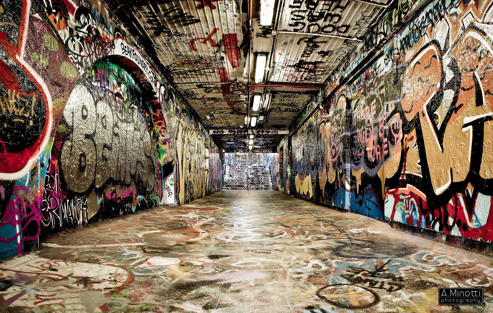 Graffiti tunnel University of Sydney Street art, Hip