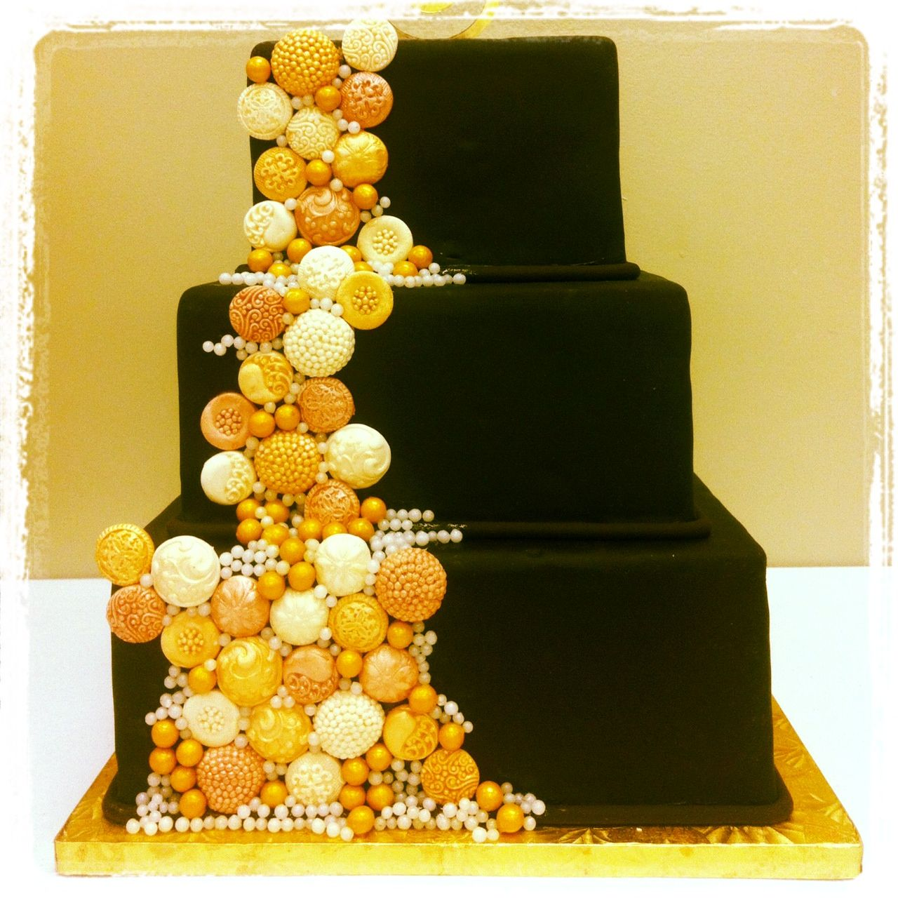 candy pearls for wedding cakes chocolate fondant wedding cake with cascade of edible 12351