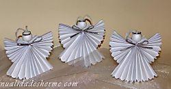 Ángel de papel para decorar la Navidad