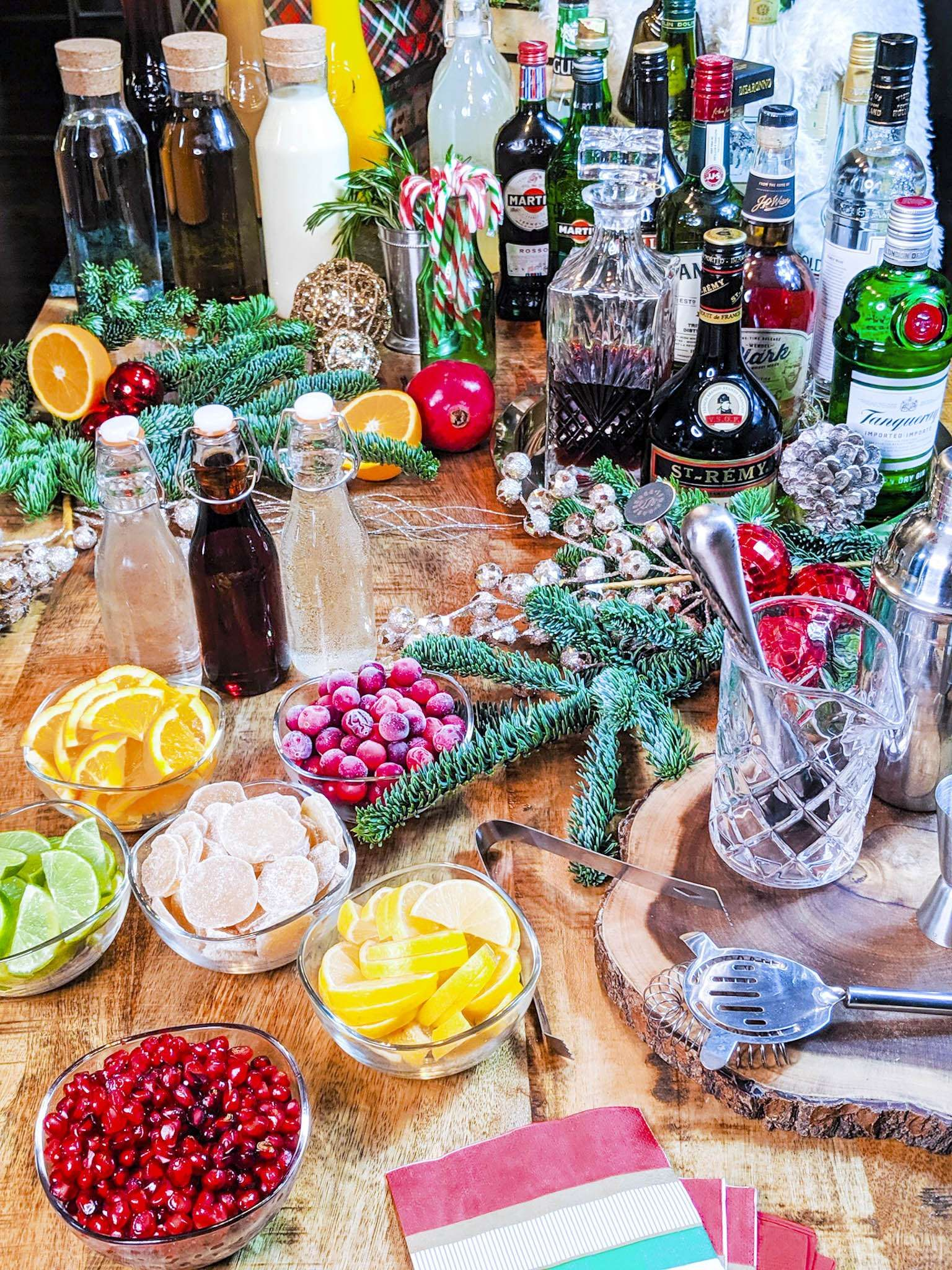 The Best Bar Setup for a Christmas Party   Christmas party drinks ...