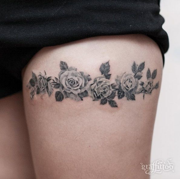 55 incredibly amazing tattoos for women blackwork for Thigh band tattoo