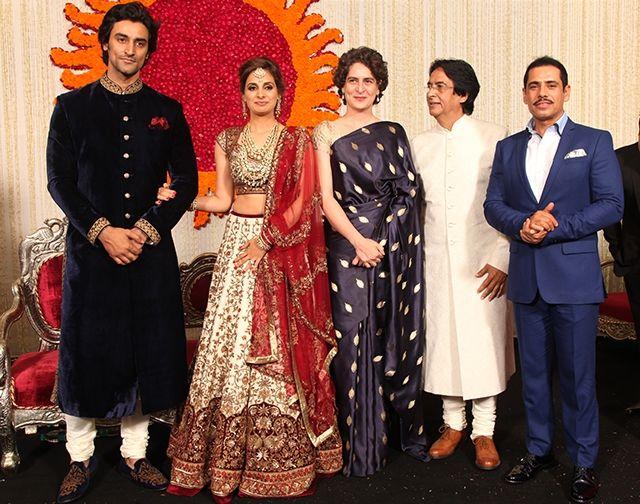 Naina Bachchan And Kunal Kapoor S Grand Wedding Reception Kunal Kapoor Vogue India Clothes Design