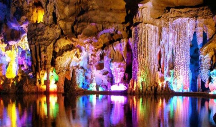 Amazing Cristal cave, china