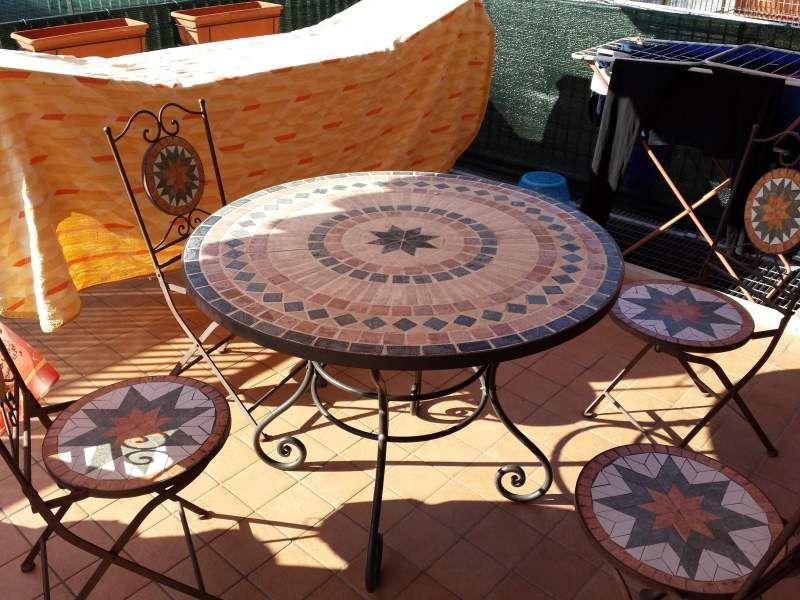 Tavolo sedie in ferro battuto con mosaico in pietra - Tavolo in ferro battuto da giardino ...
