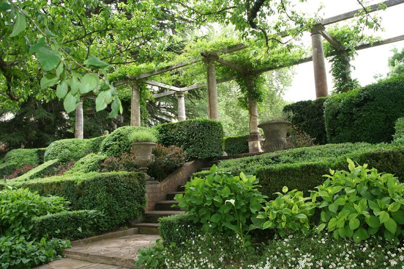 Whitley Gardens Heritage house and garden in the