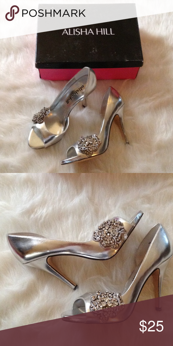 """Alisha Hill formal prom silver heels shoes 8 new Alisha Hill brand new in the box silver heels. The shoes are a size 8 medium width. The heel measures 3"""". Shoes Heels"""