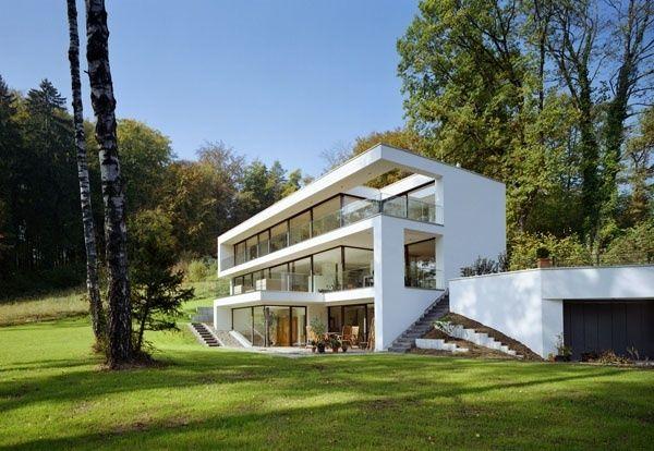 Blick auf die großzügig verglaste Südfassade    © Hans Kreye