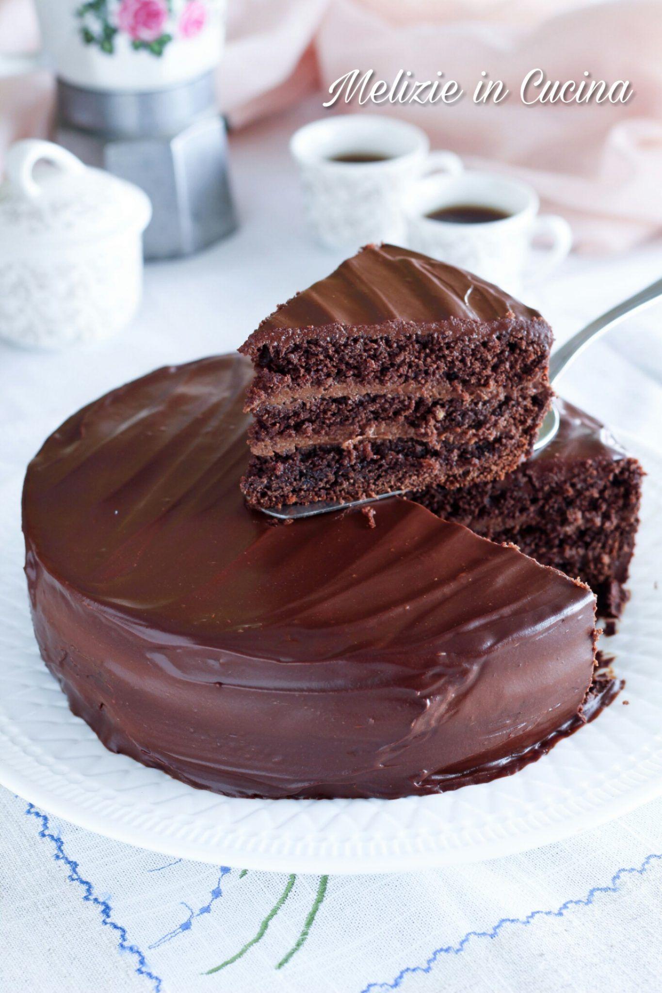 Ricetta Torta Al Cioccolato Glassata.Torta Al Cioccolato Glassata Semplicemente Golosa Melizie In Cucina Ricetta Torta Al Cioccolato Torte Cioccolato