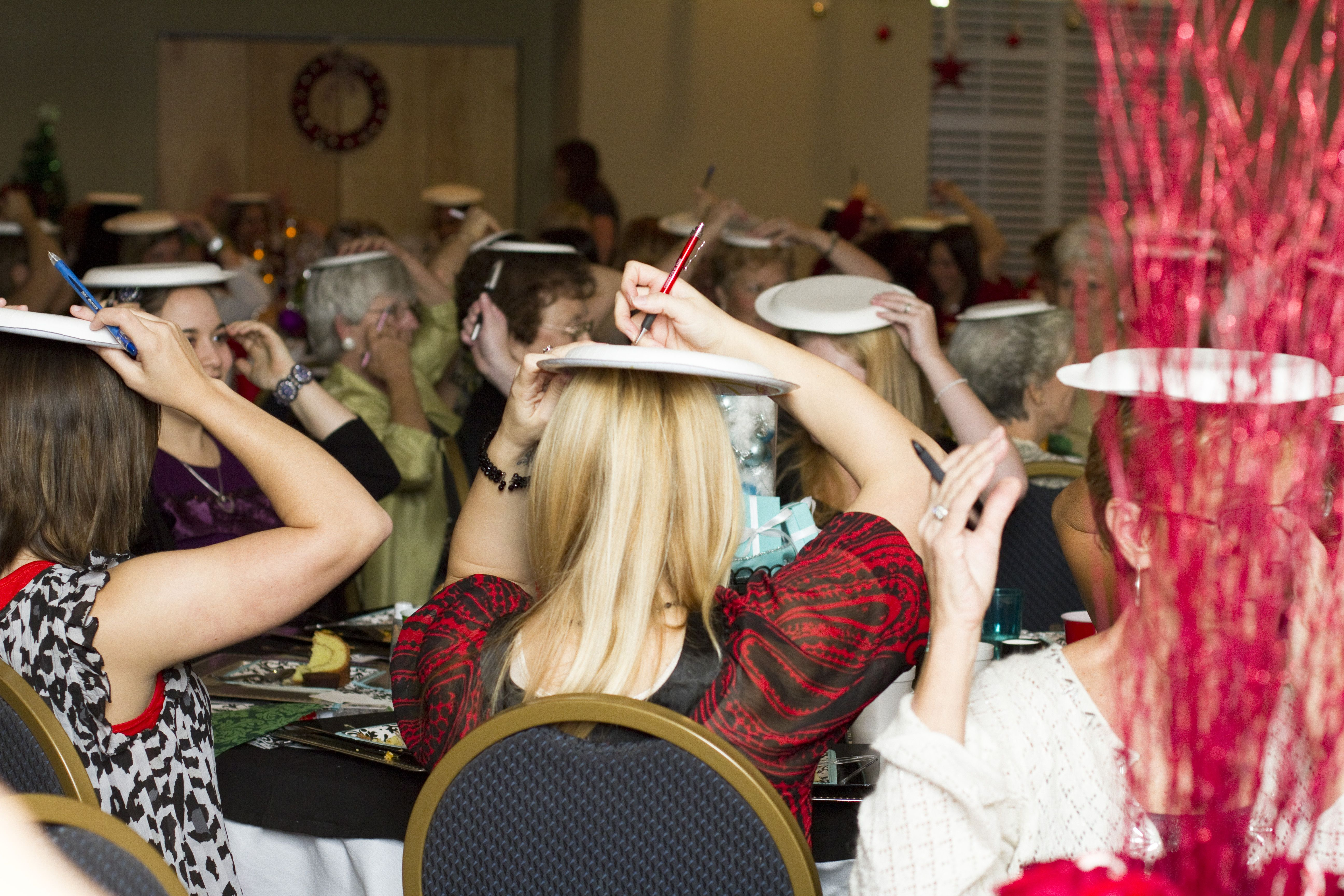 Christmas Party Game Ideas For Large Groups Part - 17: Christmas Party Game Ideas- Paper Plate Drawing Game, For An Mm?
