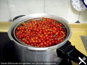 Beeren entsaften im Schnellkochtopf | Rezept | Entsaften