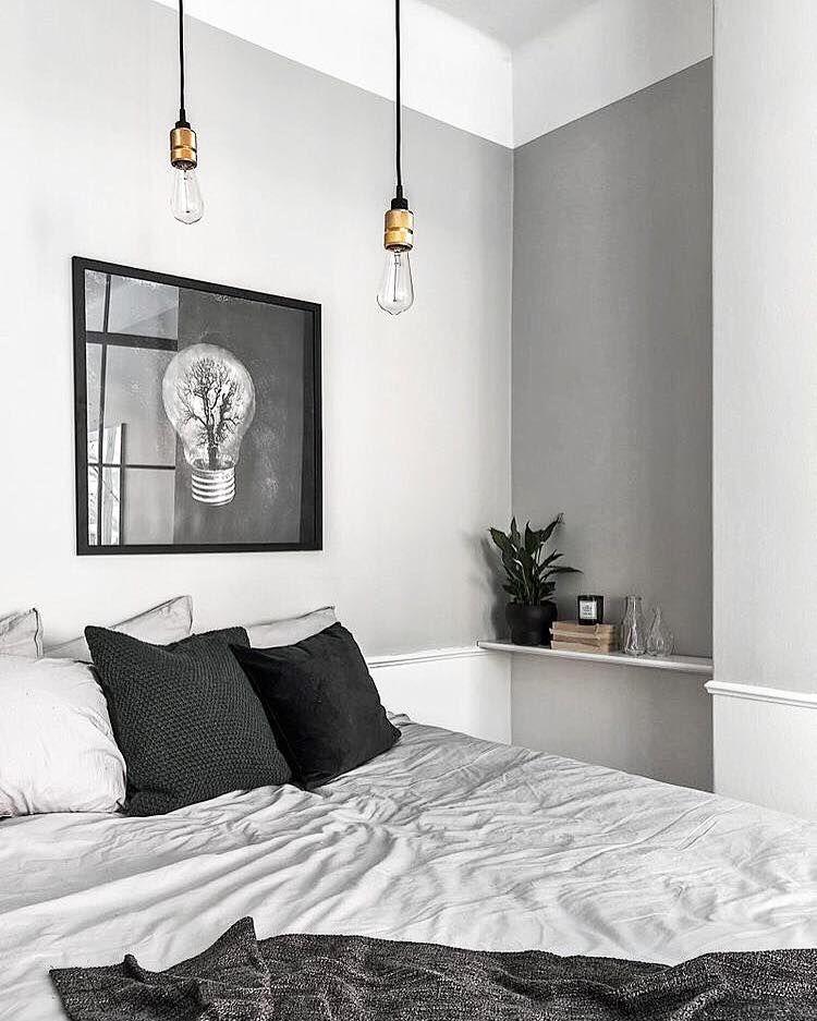 Repin ter inspiratie voor een minimalistische zwart-wit slaapkamer ...